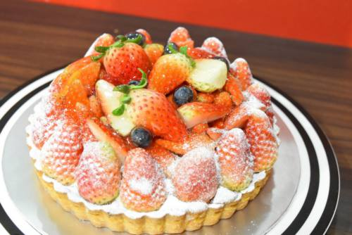 Cafe Ma Maison's signature Strawberry Tart, delivered islandwide in Singapore powered by Oddle. For Desserts Singapore delivery.